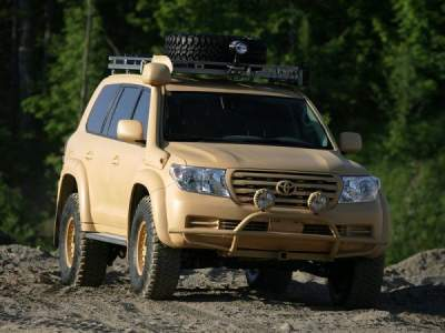 Toyota Land Cruiser преобразили с помощью тюнинга